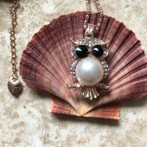 [NWOT] Betsey Johnson Pearl Owl Necklace